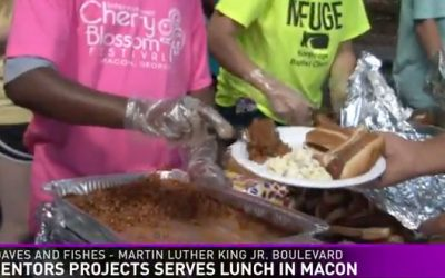 Mentors Project Serves Lunch in Macon